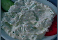 greek yogurt and garlic dip (tzatziki)
