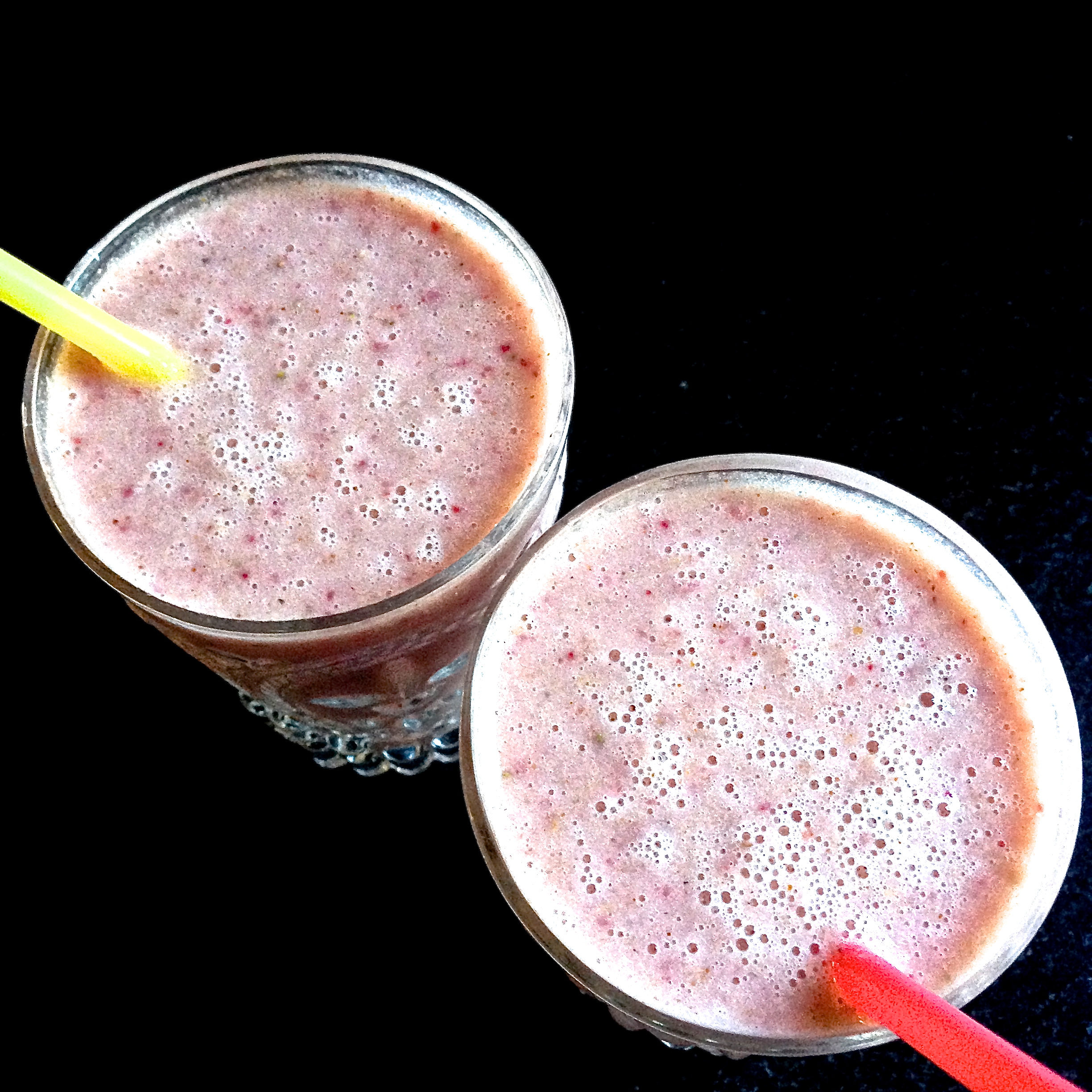 Strawberry Banana Non-Dairy Breakfast Smoothie